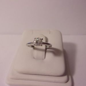 Sterling Silver Solitaire Ring Size 5